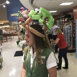 Balloon lizard on a hat for Publix Event