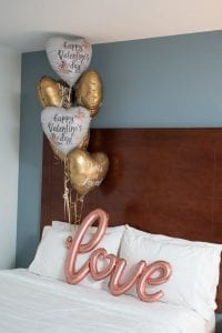 Hotel-Room-Valentines-Day-balloons