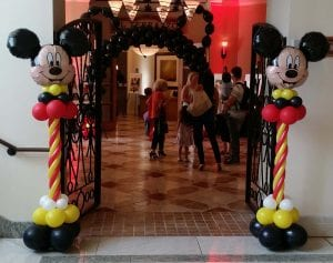 Mickey Mouse Balloon Columns and Mickey Balloon Arch in tampa Florida for private birthday event