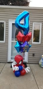 Spiderman themed balloon delivery for 4 year old birthday party scheduled to deliver right to the door