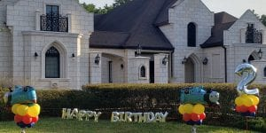 Thomas the train balloon yard stake delivery for birthday party in Lutz Tampa_logo