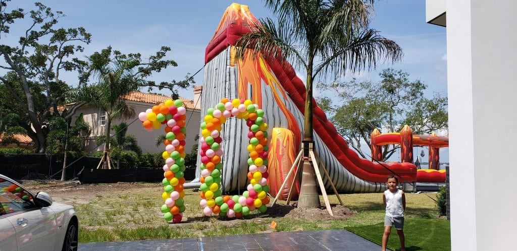 Turning 10 with quarantine balloon sculpture in yard tampa central florida